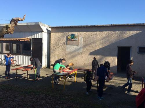 PAJ chantiers loisirs fev 2019 renovation bancs 06