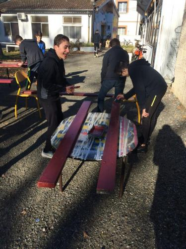 PAJ chantiers loisirs fev 2019 renovation bancs 25